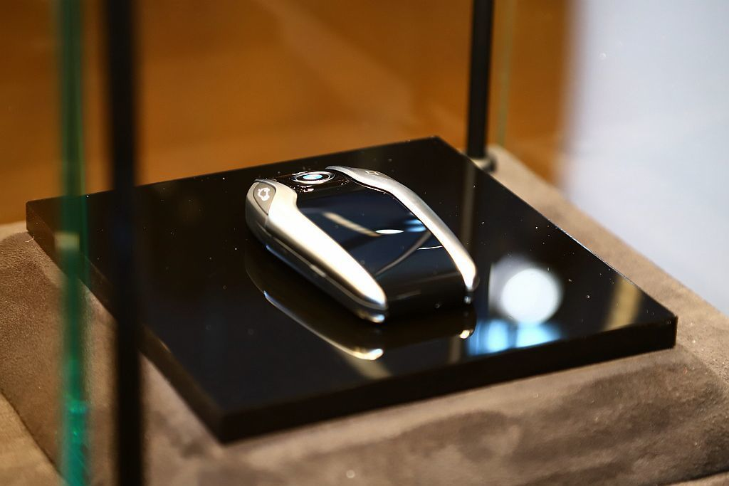 智慧Comfort Access免鑰匙系統使車主只要身上帶著鑰匙,距離車輛3m時...