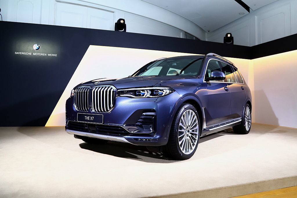 BMW品牌首款大型七人座旗艦休旅車,正式導入台灣市場販售。 記者張振群/攝影