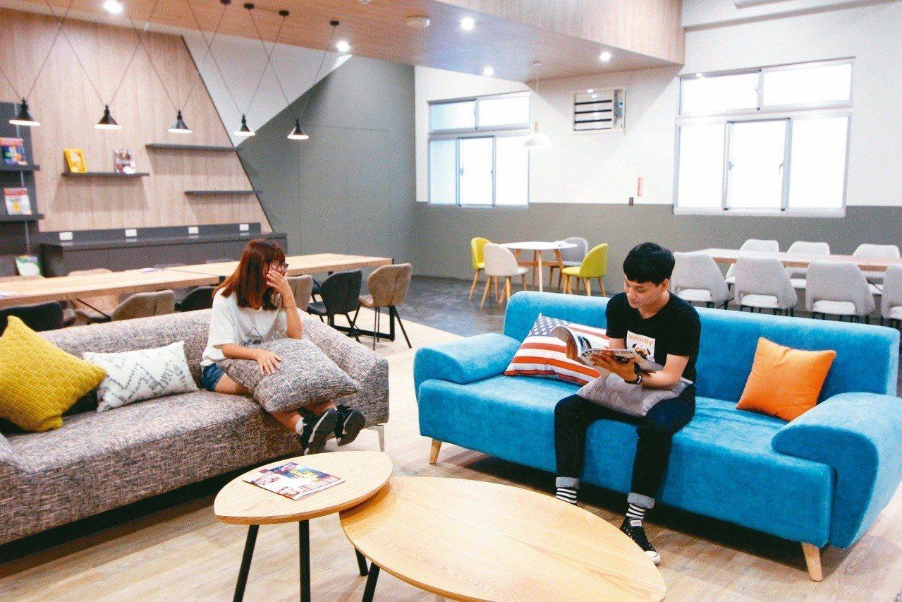 龍華科大5星級學生宿舍「涵青館」設施完善,讓學子擁有優質學習與生活環境。圖/龍華...