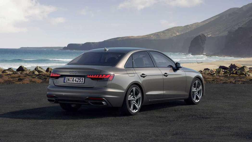 A4這次小改款連車側要線的鈑件摺痕都做了修改。 摘自Audi