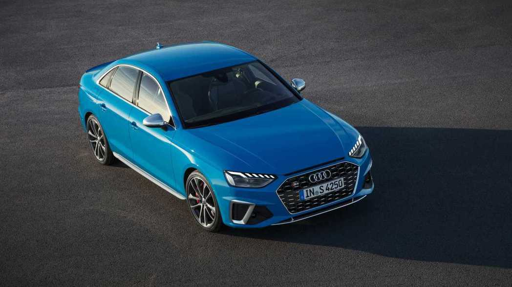 S4首度導入TDI柴油動力,加入Audi S TDI柴油性能部門。 摘自Audi