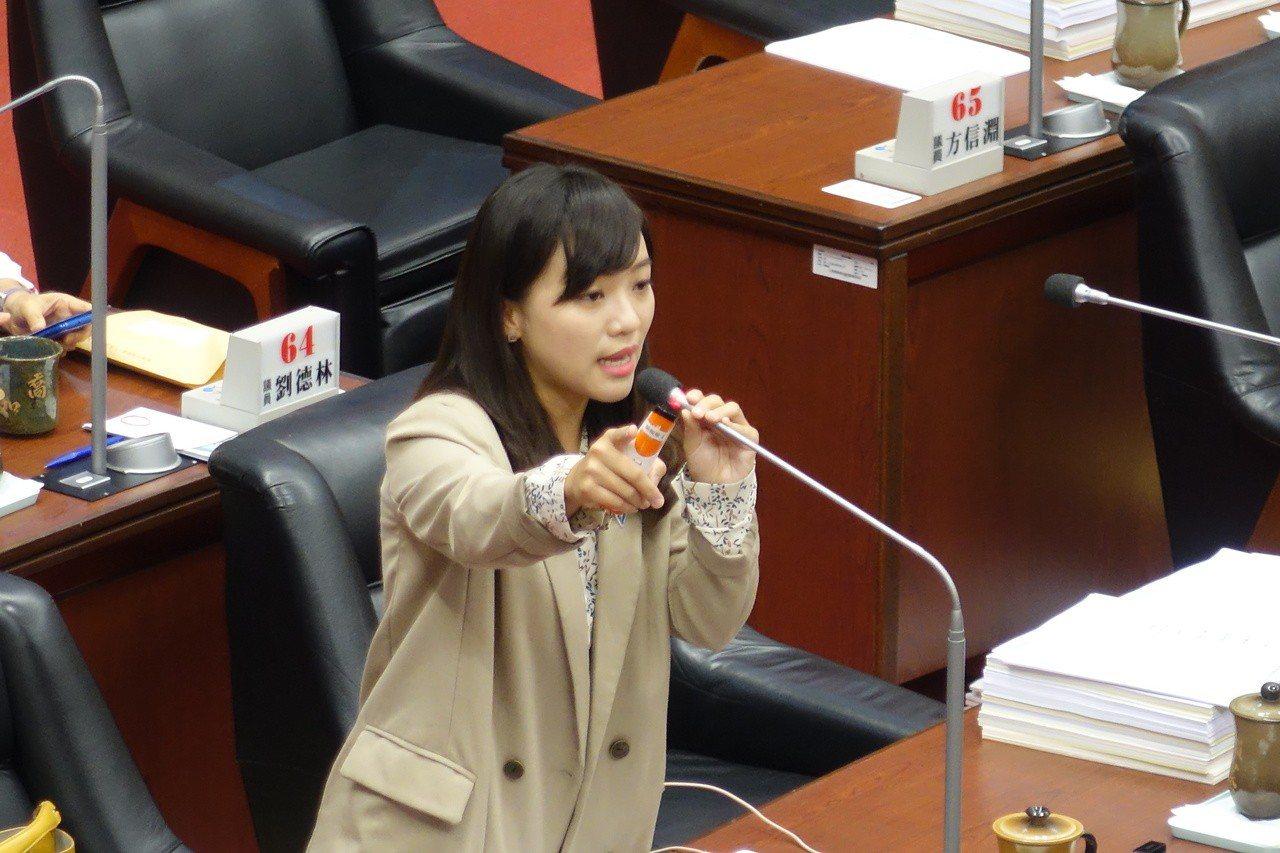 高市議員黃捷總質詢,就是不請市長韓國瑜回答。記者楊濡嘉/攝影