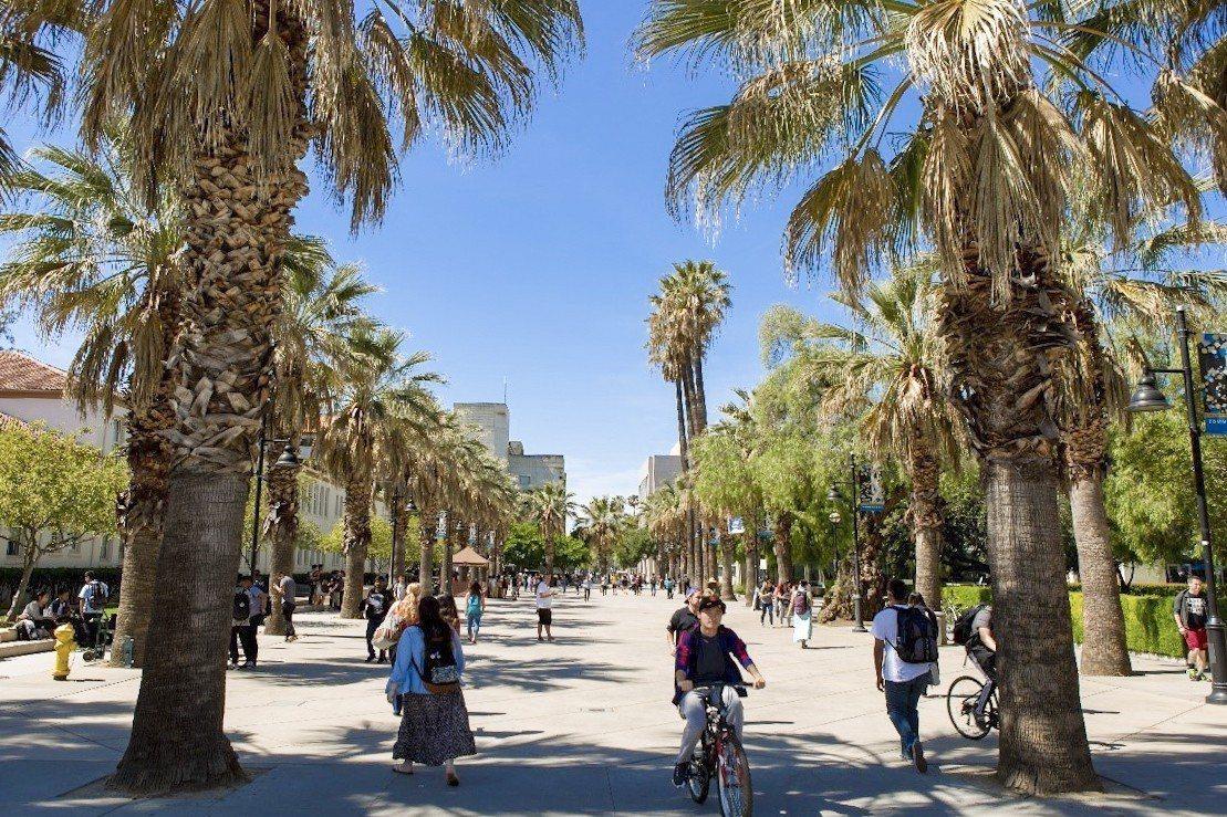美國聖荷西州立大學坐落於矽谷,是全美各大學畢業生在矽谷就業人數最多的學校,逢甲與...