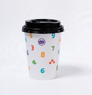於誠品R79「SOU‧SOU in Taiwan」展場消費即可獲得紀念咖啡杯。圖...