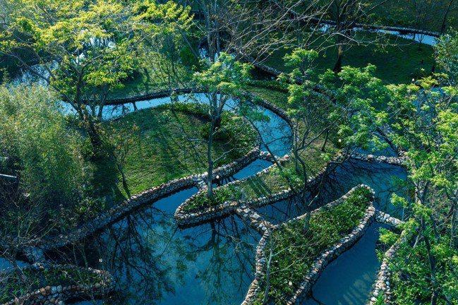 度假村內的水之庭園。圖/星野集團提供