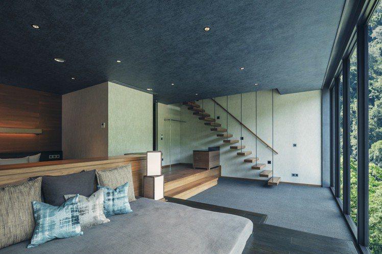 「水明」房型的客廳,開放感十足。圖/星野集團提供