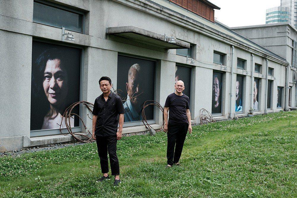蔡明亮將華山特區的影廳外牆變成畫作展示場,李康生特地返台支持。圖/汯呄霖提供