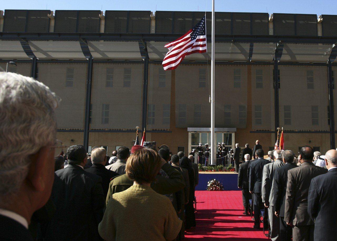 美國國務院15下令伊拉克使館部分人員即刻離境,並將伊拉克旅遊警示升至最高級,警告...