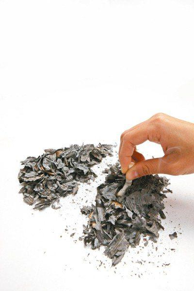 世衛組織強烈建議老菸槍盡速戒菸,以預防失智。 本報資料照片