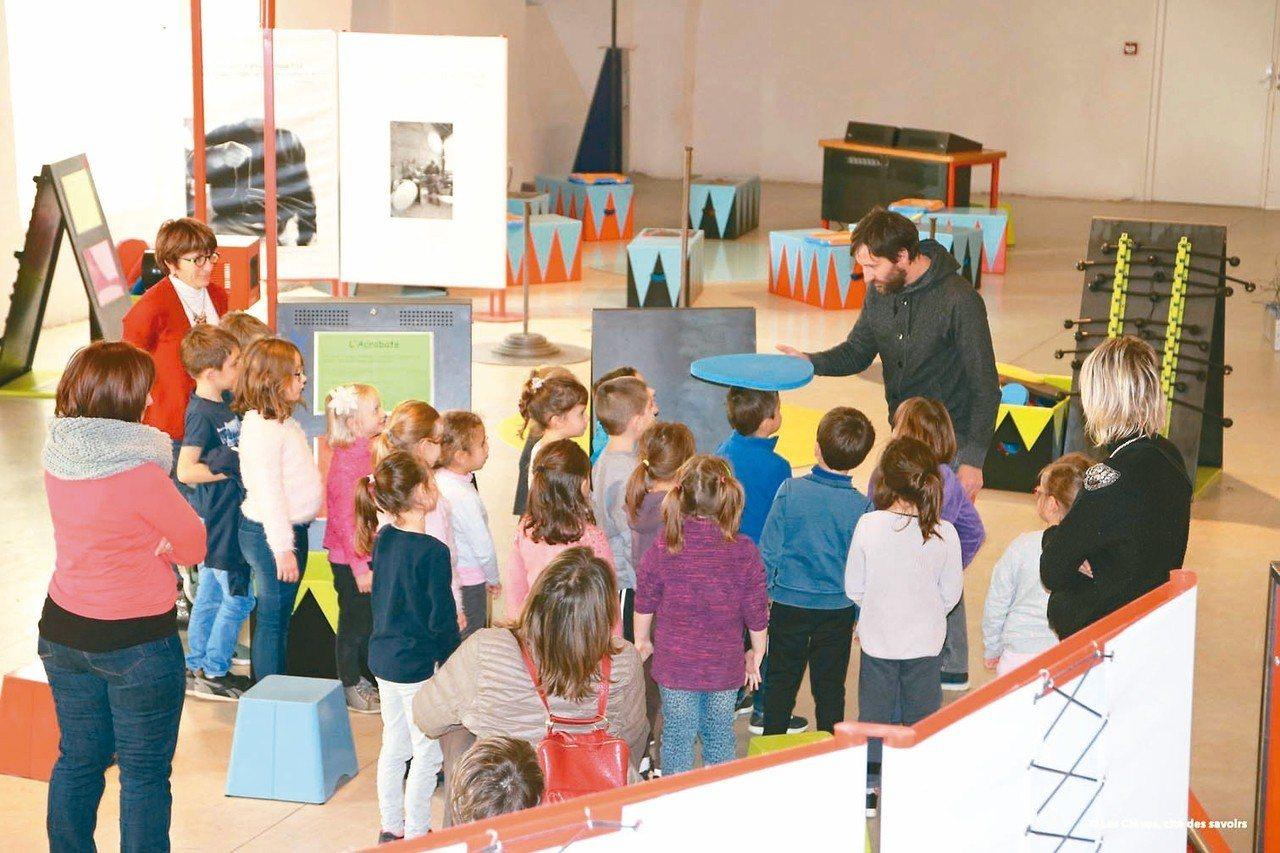 龐畢度中心把風靡法國的兒童工作坊「哇!馬戲團」,引進台灣。 圖╱聯合數位文創提供
