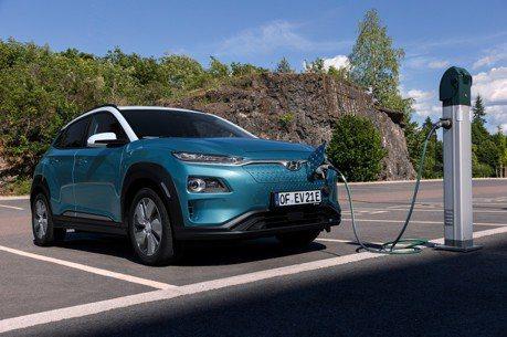新年式Hyundai Kona Electric電動休旅導入快速充電技術!