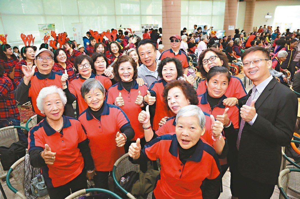 嘉南平原是台灣重要的穀倉,其中嘉義縣更是重要的農漁業產區,隨著時代轉變及產業、人...