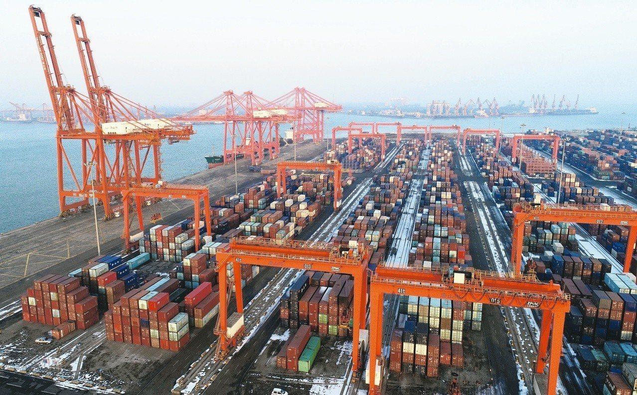 行政院會今通過「貿易法」修正草案,罰則由目前30萬元提高至300萬元。 新華社