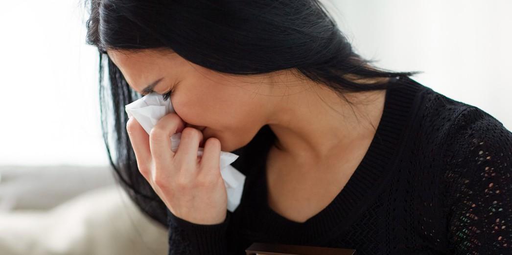 眼科醫師吳仁斌說,若淚眼汪汪應及時檢查,以免感染發炎。 圖/ingimage