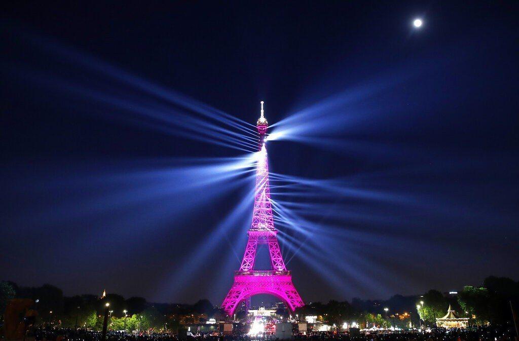 法國巴黎艾菲爾鐵塔。 美聯社