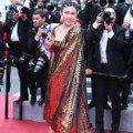 坎城不知名「網紅」讓人滿頭問號 她們的紅毯時尚也讓網友直呼:「來丟臉的?」