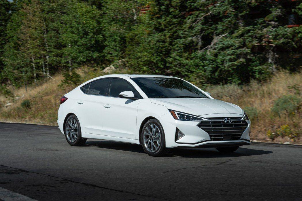 Hyundai在去年八月無預警發表了小改款Elantra。 摘自Hyundai