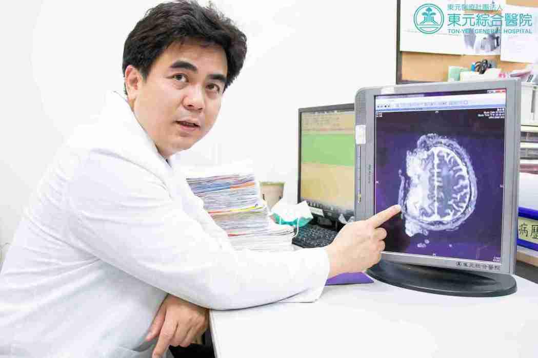 東元綜合醫院復健科主任袁家輝。 東元綜合醫院/提供