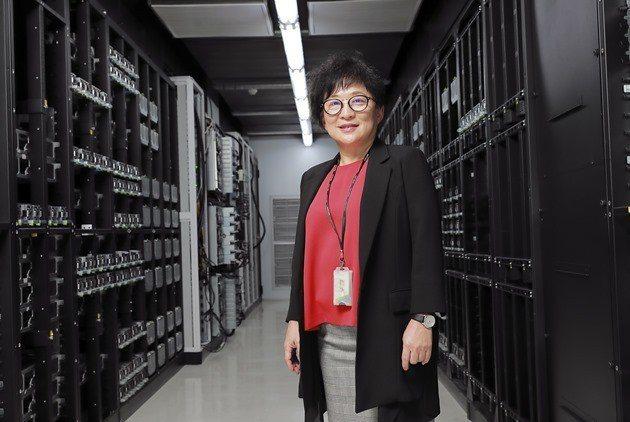 緯穎科技總經理洪麗甯說,ODM直接銷售是一個觸媒,讓公司轉型、改變了商業模式和員...