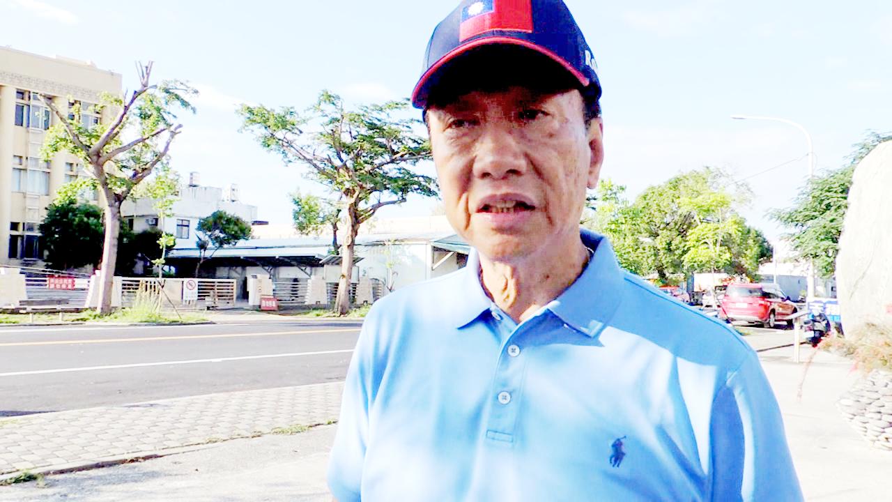 鴻海董事長郭台銘今天一早受訪時表示:「國民黨要勝選,台灣要改變 ,我們不能沒有韓...
