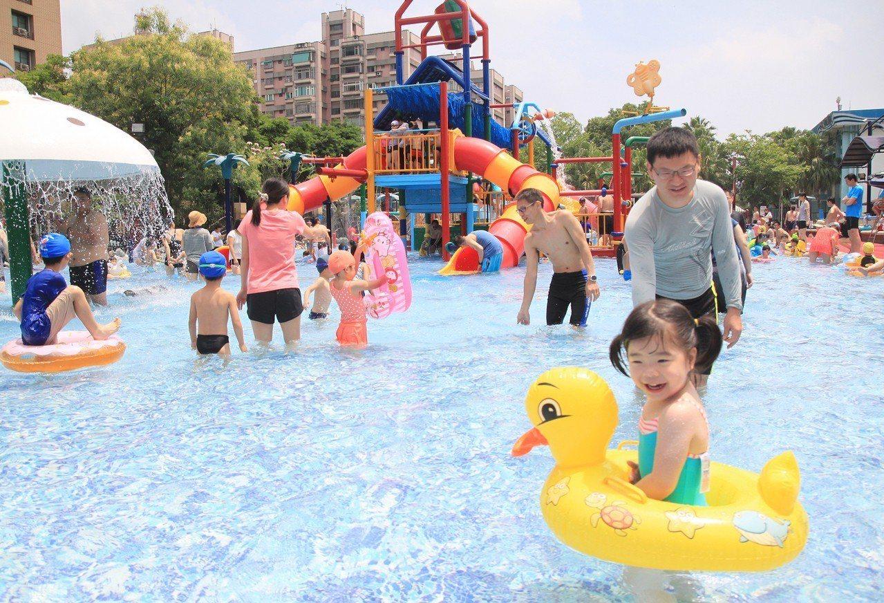 台北自來水園區的「水鄉庭園」戲水區5月17日起正式開放。圖/北水處提供