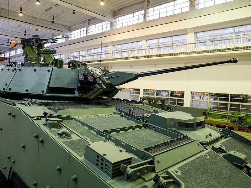 國軍已開始量產新型雲豹「CM-34」30公厘機砲型裝步戰鬥車,國防部駐美軍事代表...
