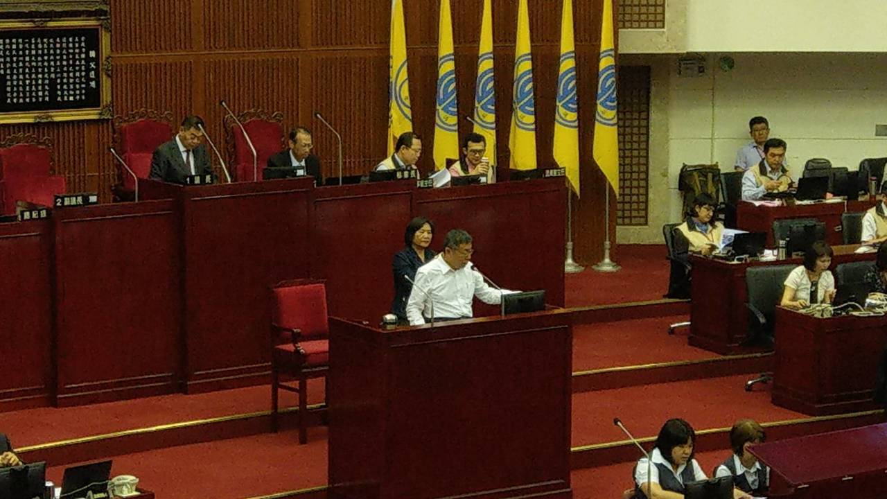 台北市長柯文哲上午至市議會進行今年首次施政報告。記者楊正海/攝影