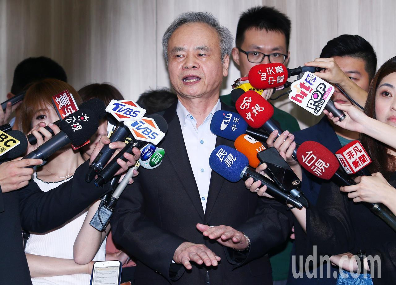 陳憲着下午應媒體要求舉行臨時記者會說明。記者杜建重/攝影