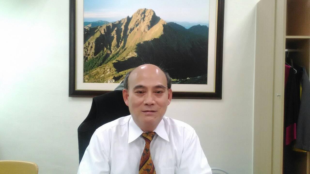 台中高分檢主任檢察官李慶義,發表「這種案件,如果要彈劾,我們一起檢驗蔡委員以前的...
