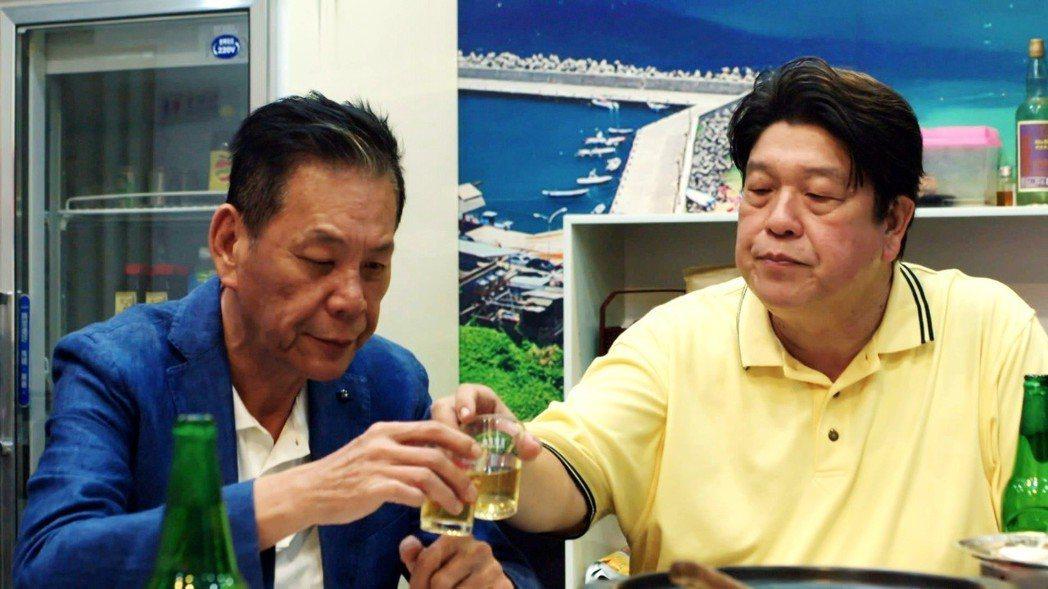 龍劭華(左)和羅北安在「一千個晚安」中演好兄弟。圖/三立提供(  ※ 提醒您:禁...