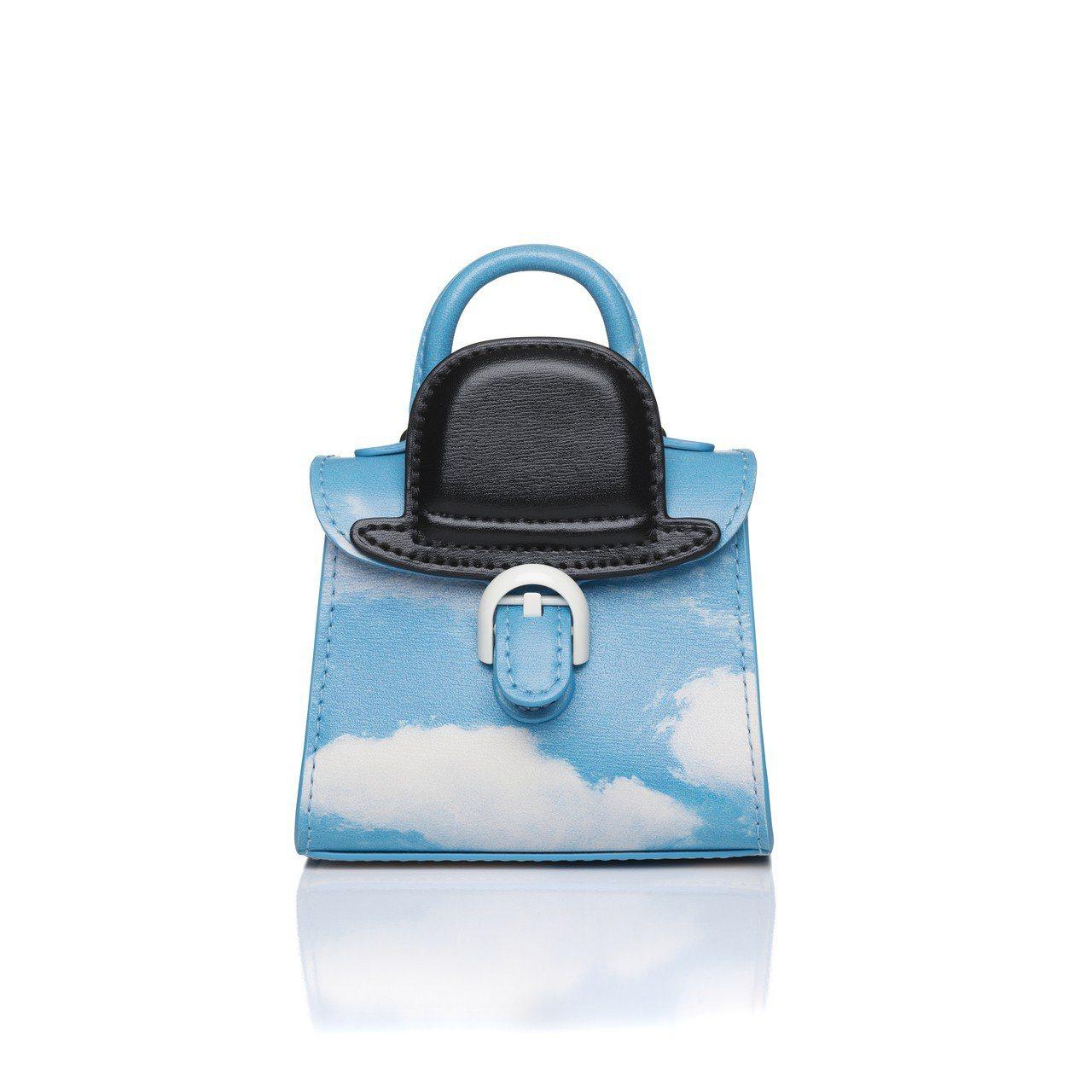 Magritte雲朵黑禮帽牛皮吊飾,售價33,900元。圖/DELVAUX提供