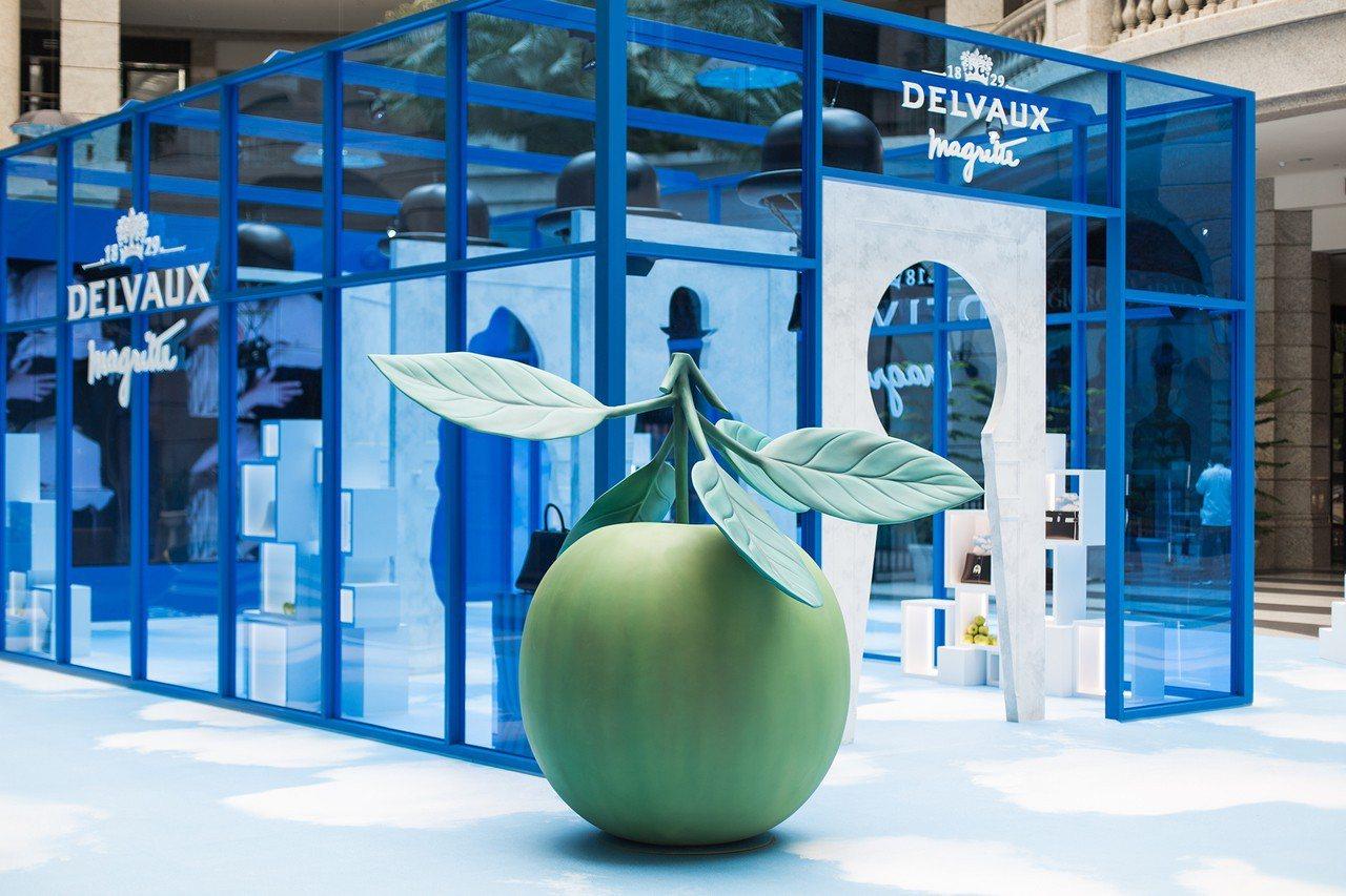 DELVAUX在BELLAVITA中庭舉辦René Magritte馬格利特系列...