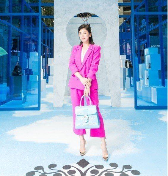 賈靜雯出席時尚活動,被追問近期夯劇共演演員的新聞話題。圖/品牌提供