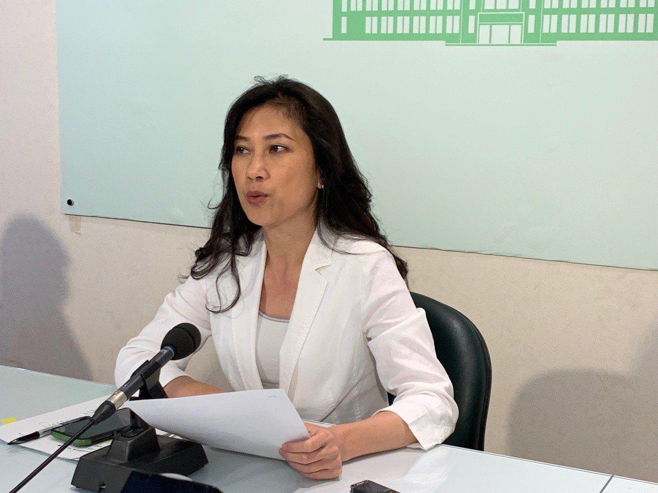 行政院發言人Kolas Yotaka表示,中央政府各機關目前並未使用華為的產品。...