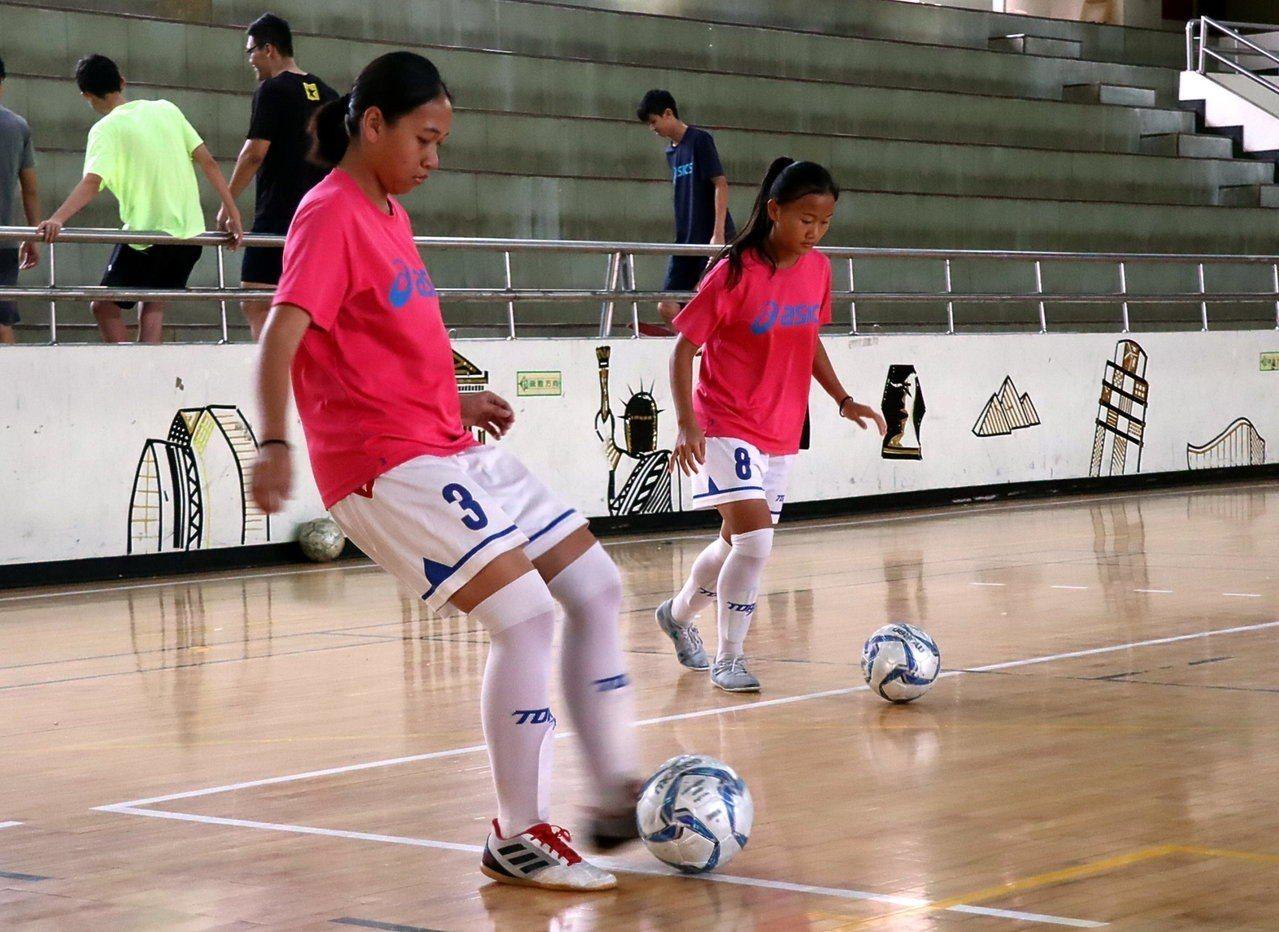 瑞祥高中女子足球隊將代表台灣參加2019年歐洲挪威盃國際女子足球U19分齡錦標賽...