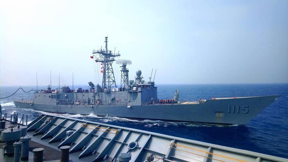 我國向美國所採購的兩艘派里級巡防艦─銘傳軍艦 ( PFG-1112 ) 與逢甲軍...