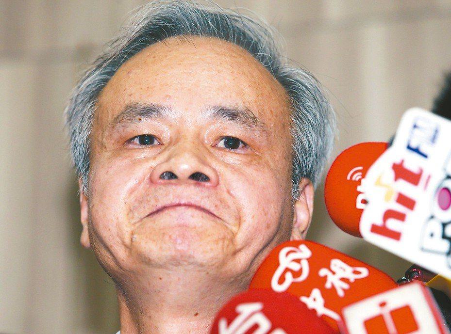 中華郵政總經理陳憲着昨出面回應,指自己是在評選出爐後才被要求修改「遊戲規則」。記者杜建重/攝影