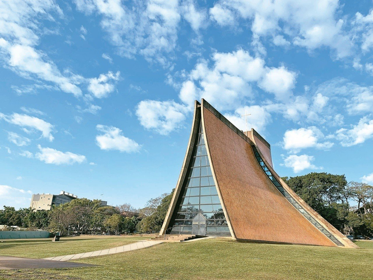 貝聿銘作品-1956年-1963年:東海大學路思義教堂(圖/文資局提供)今年正式...