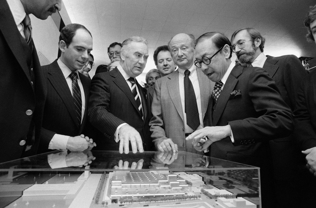 1979年-1986年:美國紐約州紐約市賈維茨會展中心。貝聿銘在紐約最具代表的作...