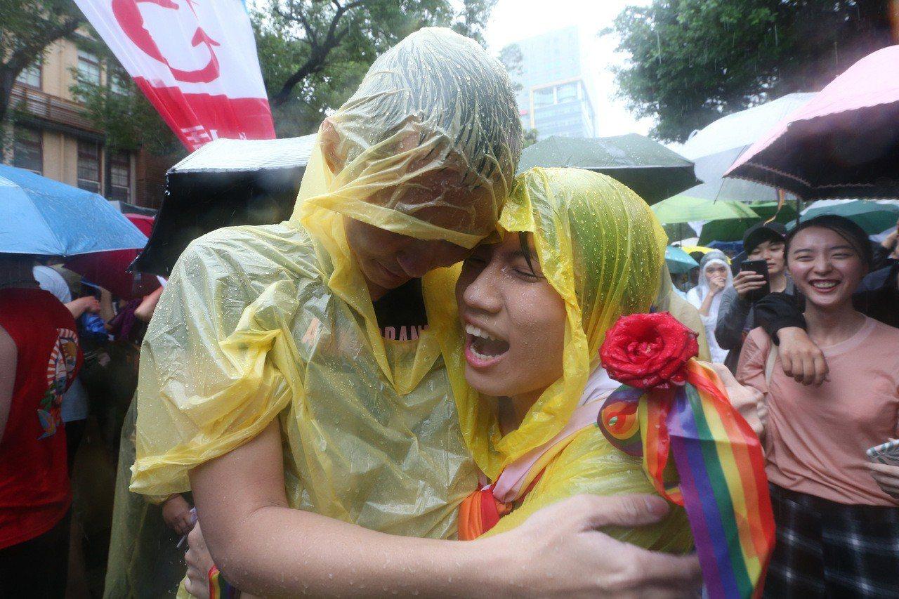 立院三讀通過同婚專法,同志可登記結婚。 記者葉信菉/攝影