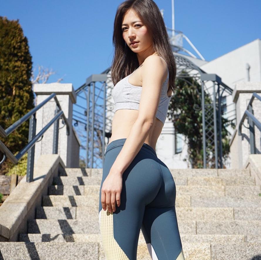 NBA最美女記者身材太完美 被封「日本第一美臀」