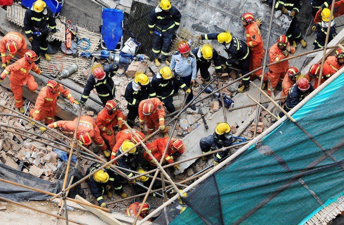 事故地點在上海都心西部的長寧區,位於昭化路148號、一間佔地3,000平方公尺的...