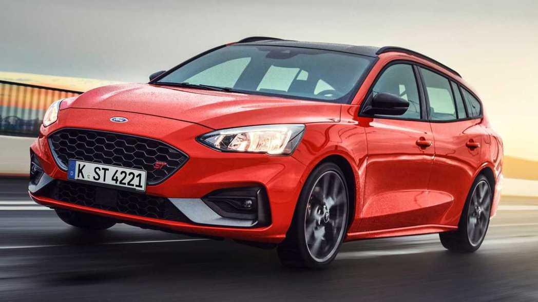 汽油版本動力276hp/42.8kgm,柴油版則是187hp/40.8kgm。 ...