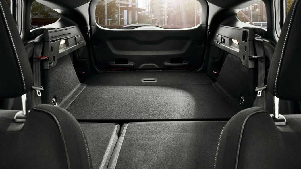 想必Focus ST Wagon推出後將會吸引一堆熱血好爸爸購買。 摘自Ford