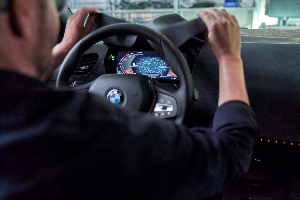 新世代BMW 1 Series也採用品牌最新的全數位儀表。 摘自BMW