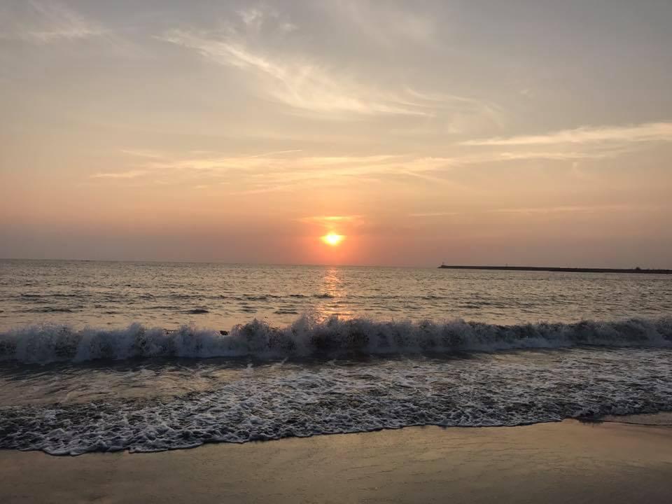 圖/鄰近漁光海灘,走路5分鐘就能看到絕美夕陽景。民宿也有提供腳踏車,讓你悠閒散步...