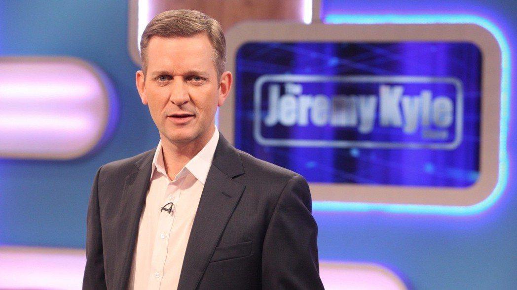 傑瑞米凱爾秀在曾上節目來賓自殺後,被電視台腰斬。圖/摘自ITV