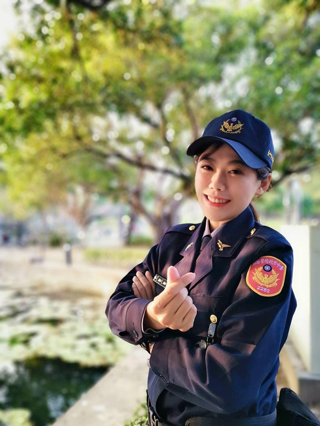 公園所女警余珮毓對於警職工作相當熱誠。記者林佩均/翻攝