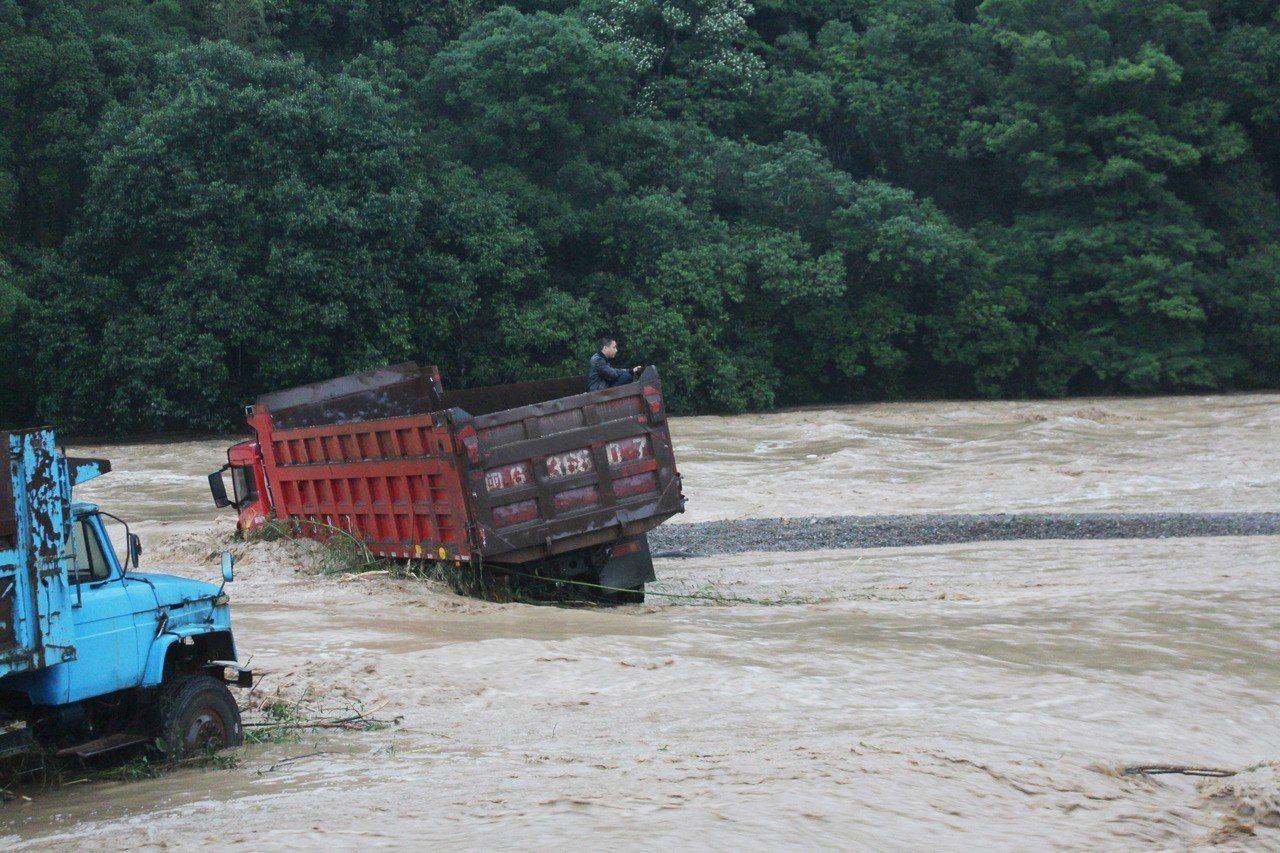 福建省三明市近日出現強降雨,降雨量破1961年以來降水量記錄。(新華社)