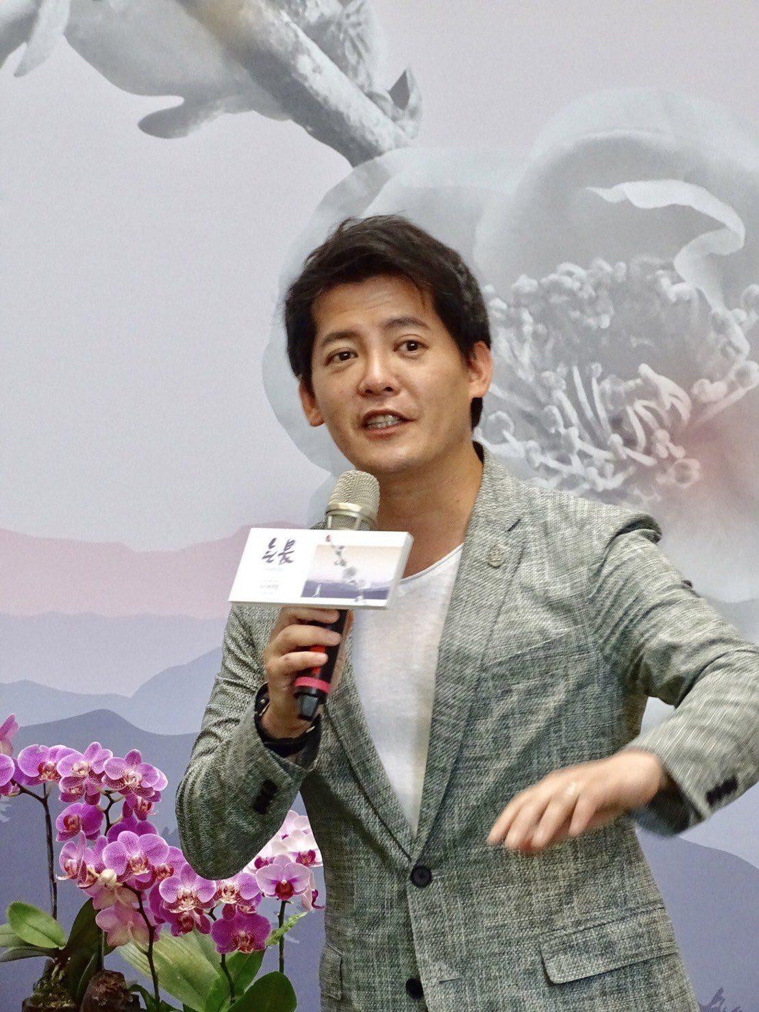 電視節目主持人、旅遊作家、藝術史講師、登山家等多重身分的謝哲青擔任「未來與希望系...